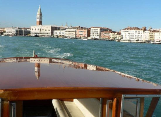 Venice with less walking and Unmissable Venice private guided boat tours to discover the Venetian Lagoon