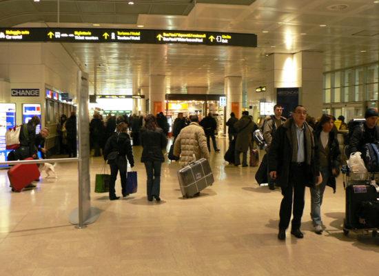 Regular Venice transfer from Venice hotel to Venice Airport