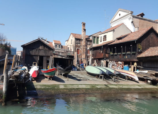 Venice Craft Heritage tour to see Venice gondola dockyard